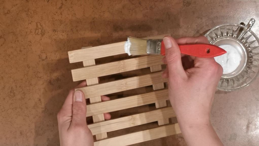 DIY Farmhouse Photo-Clipboard
